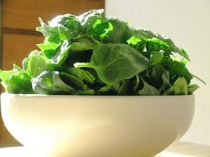 osteoporoza-wapń-zielone-warzywa